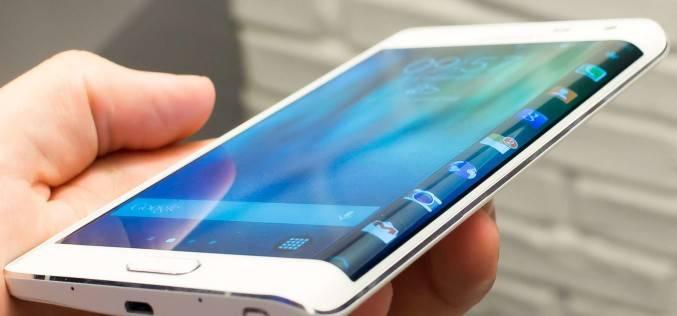 Samsung продает свой с двух сторон изогнутый экран другим производителям