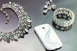 Samsung Galaxy S III mini Crystal Edition украшен 116 кристаллами Swarovski