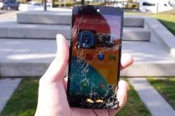 Дроп-тест смартфона Google Nexus 5 (видео)