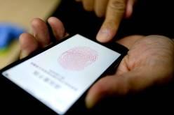 iPhone 5s передает отпечатки пальцев пользователей в АНБ
