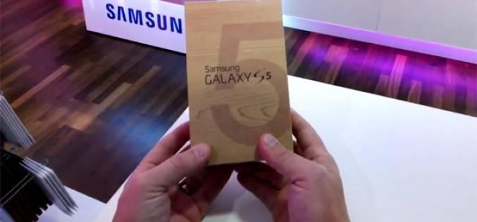 Видео первой распаковки Samsung Galaxy S5