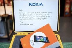 Nokia в очередной раз троллит Apple (видео)